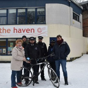 Camden Met Police donate bikes to Castle Youth